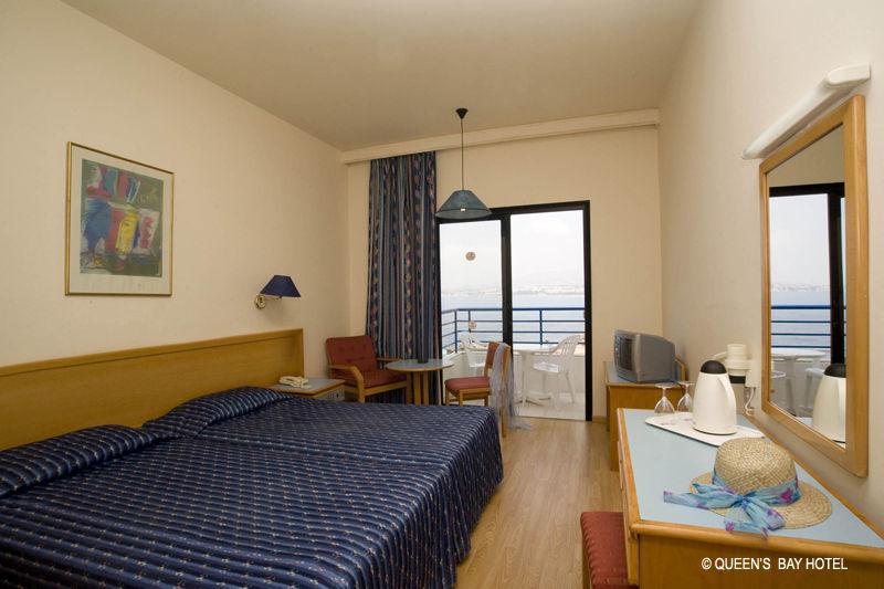 Hôtel Queen's Bay ***